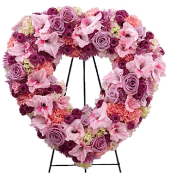 Picture-Perfect Flower Heart Wreath Send to Manila Philippines