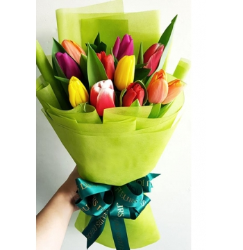 12 Mixed Tulips In Bouquet