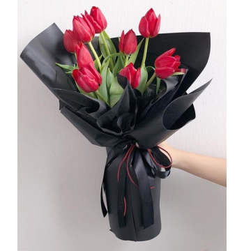 10 Pcs Red Color Tulips in a Bouquet
